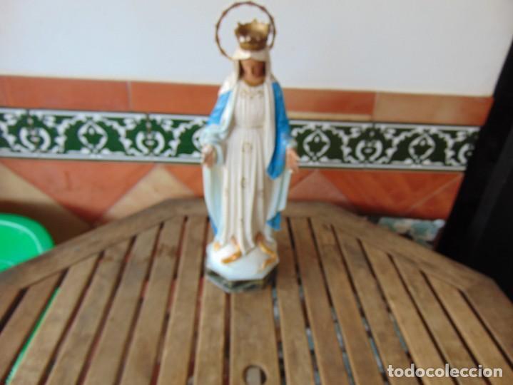 FIGURA EN ESTUCO POLICROMADO CON BASE DE MADERA NO ESTA SELLADO OLOT VIRGEN DE LA MEDALLA MILAGROSA (Arte - Arte Religioso - Escultura)