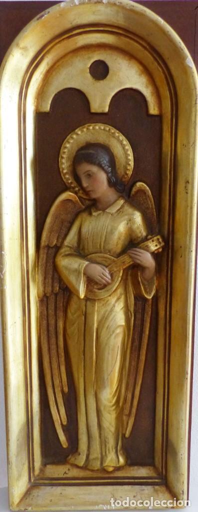 PLAFÓN - ANGEL MUSICO - ESTUCO POLICROMADO - 52 X 19,5 CM. (Arte - Arte Religioso - Retablos)