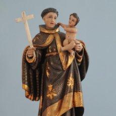 Arte: SAN ANTONIO CON EL NIÑO JESÚS. ESCULTURA DE MADERA DORADA Y ESTOFADA. HACIA 1900. MIDE 39 CM.. Lote 268167719
