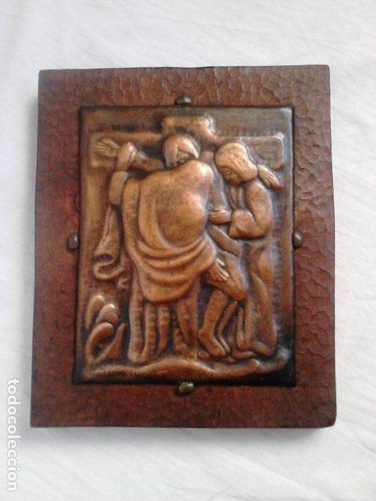 CRIST A LA CREU. METALL I FUSTA. OBRA DE FRANCESC GASSÓ - ART CATALÀ (Arte - Arte Religioso - Iconos)