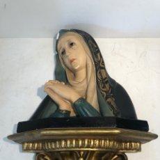 Arte: BUSTO VIRGEN DOLOROSA Y PEANA DE ESTUCO ANTIGUO Y OJOS DE CRISTAL PARA RESTAURAR DE PARET.. Lote 273611348