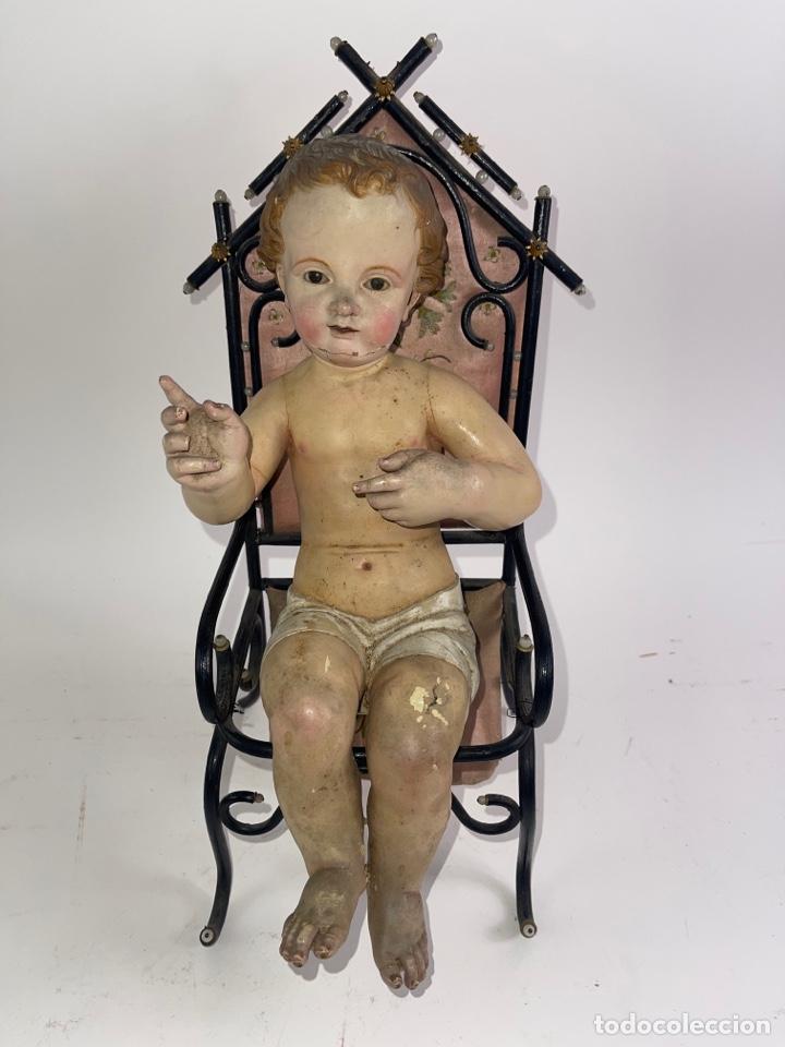NIÑO JESÚS EN TALLA DE MADERA POLICROMADA CON TRONO. FINALES S.XVIII-PRINCIPIOS S.XIX. (Arte - Arte Religioso - Escultura)