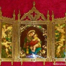 Arte: TRÍPTICO RELIGIOSO NEOGÓTICO. LA MADONNA DELLA SEDIA. BRONCE DORADO. ESPAÑA. PRINCIPIO SIGLO XX. Lote 276267733