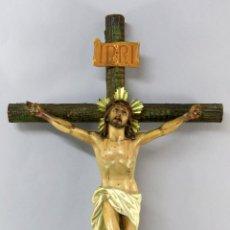 Arte: CRISTO CRUCIFICADO EN PASTA MADERA TIPO OLOT PRIMERA MITAD DEL SIGLO XX. Lote 278170003
