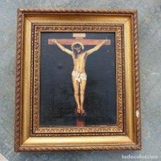 Arte: ANTIGUO OLEO SOBRE LIEZO, ARTE RELIGIOSO, FIRMADO A. DIAZ, JESUCRISTO CRUCIFICADO.. Lote 278619398