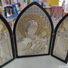 Arte: TRÍPTICO RELIGIOSO EN MADERA Y PLATA DE LEY SELLADA. ICONOS. ITALIA. SIGLO XX.. Lote 283786688