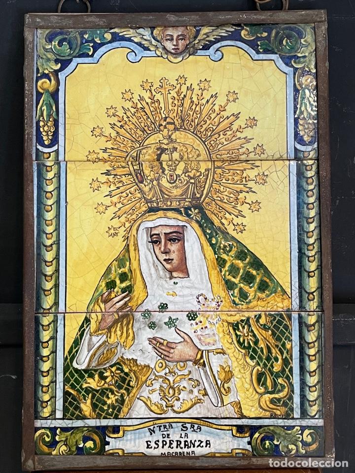 RETABLO EN EZULEJOS PINTADO A MANO NUESTRA SEÑORA DE LA ESPERANZA ECHO EN TRIANA (Arte - Arte Religioso - Pintura Religiosa - Oleo)