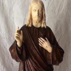 Arte: ANTIGUA ESCULTURA DEL SAGRADO CORAZÓN DE JESÚS EN MADERA Y MARFIL. Lote 287042083