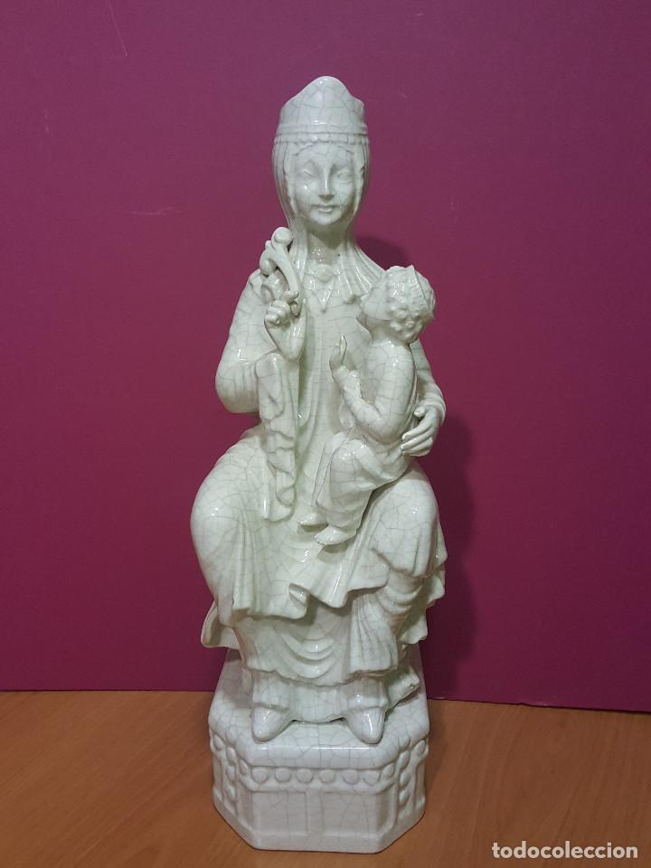 Arte: Virgen sedente con Niño de porcelana esmaltada en blanco. Último tercio del s. XIX. - Foto 2 - 287721828