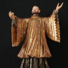 Arte: SAN FRANCISCO JAVIER. ESCUELA COLONIAL. SIGLOS XVII-XVIII.. ESCULTURA DE MADERA TALLADA. MIDE 46 CM.. Lote 288576023