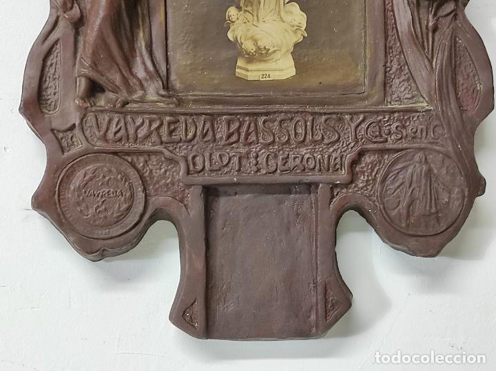 Arte: Retablo Modernista - Plafón Porta Calendario de Taco - Taller Arte Cristiano, Olot - Vayreda-Bassols - Foto 2 - 291899623