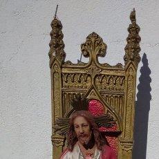 Arte: ANTIGUA FIGURA, SAGRADO CORAZÓN DE JESÚS ENTRONIZADO /// JESUCRISTO CRUCIFIJO SANTO SANTA VIRGEN. Lote 293146703