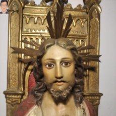 Arte: ANTIGUO SAGRADO CORAZÓN DE JESÚS - OLOT - EL ARTE CRISTIANO - POLICROMADO - OJOS DE CRISTAL - 61 CM. Lote 293420978