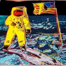 Arte: CARTEL ANDY WARHOL -MOONWALK AMARILLO - IMPRESIÓN BUZZ ALDRIN NUEVO ARTE POP LUNA APOLO 11 TAMAÑO 96. Lote 194745461