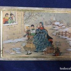 Arte: IMPRESION SOBRE PAPEL COLOREADA A MANO ESCENA NAVIDEÑA NIÑA NIÑOS REGALOS NIEVE CANTO FIRMA 1906 17,. Lote 133414626