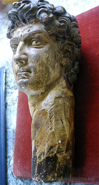Arte: Antiguo busto de joven, en pasta de yeso y policromado. Medida 21x 10 x 11,5 cm. S.XVIII - Foto 2 - 27432622