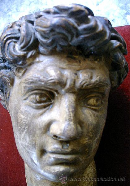 Arte: Antiguo busto de joven, en pasta de yeso y policromado. Medida 21x 10 x 11,5 cm. S.XVIII - Foto 3 - 27432622