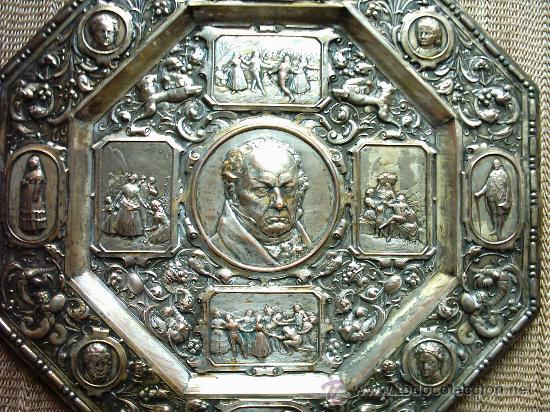 FRANCISCO GOYA (1746-1828). METAL PLATEADO. OCTOGONAL. S. XIX. 55 CM. (Arte - Escultura - Otros Materiales)