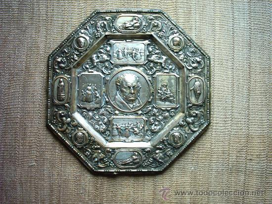 Arte: FRANCISCO GOYA (1746-1828). METAL PLATEADO. OCTOGONAL. S. XIX. 55 Cm. - Foto 2 - 27388916