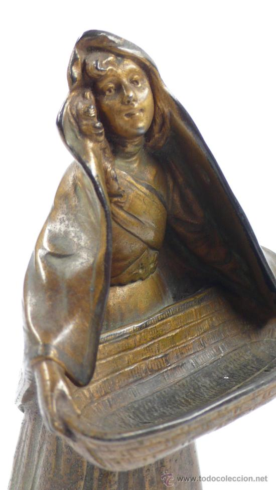 Arte: FIGURA FEMENINA DE CALAMINA, firmada: maxim , finales s.XIX. 16,5 cm altura. - Foto 4 - 24758376