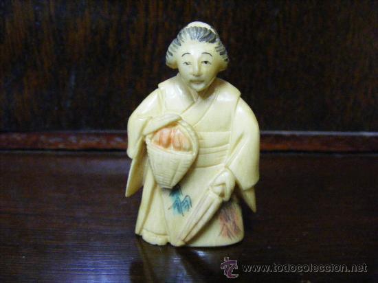 ANTIGUO NETSUKE GEISHA (Arte - Escultura - Otros Materiales)
