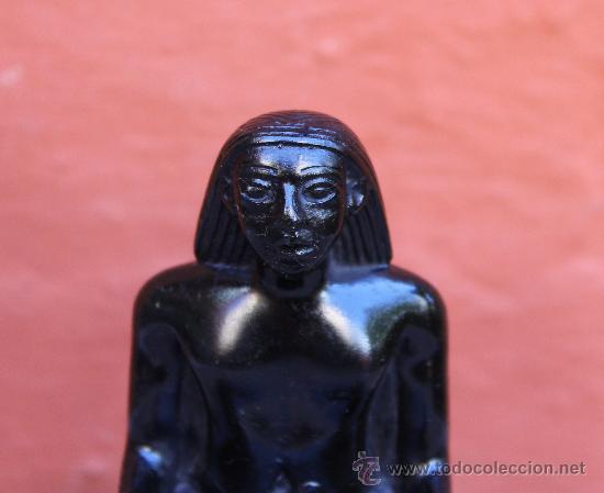 Arte: ESCULTURA DE FIGURA EGIPCIA POSIBLEMENTE EN PIZARRA FIRMADA CON INSCRIPCIONES - Foto 2 - 31919669