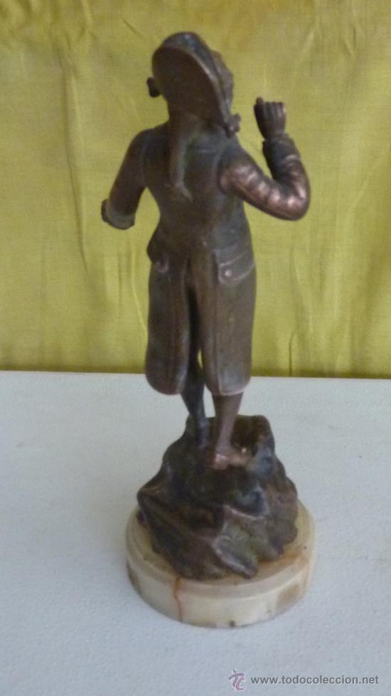 Arte: Escultura de figura titulada Sortie de Bal par Elius. En calamina, sobre marmol. - Foto 5 - 33642381