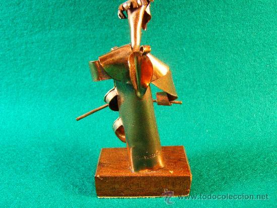 Arte: ANGEL,CONTRABAJO-FIGURA DE COBRE FIRMA GUILLEM DURAN-SURROCA-8X3X4 CM+PEANA-MEDIADOS XX- PIEZA UNICA - Foto 4 - 36868785