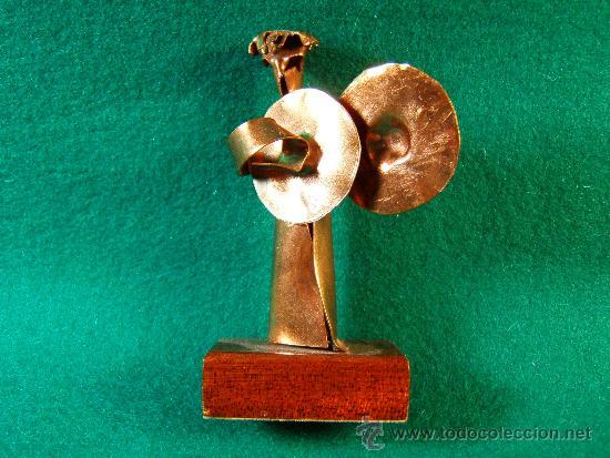 ANGEL PLATILLOS-FIGURA COBRE FIRMADA GUILLEM DURAN-SURROCA-8X3X4 CM+PEANA-MEDIADOS XX-PIEZA UNICA (Arte - Escultura - Otros Materiales)