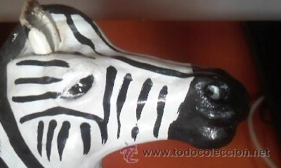 Arte: Escultura de una cebra hecha de cartón piedra y forrada con cuero,ojos de cristal pintada a mano. - Foto 6 - 37771384