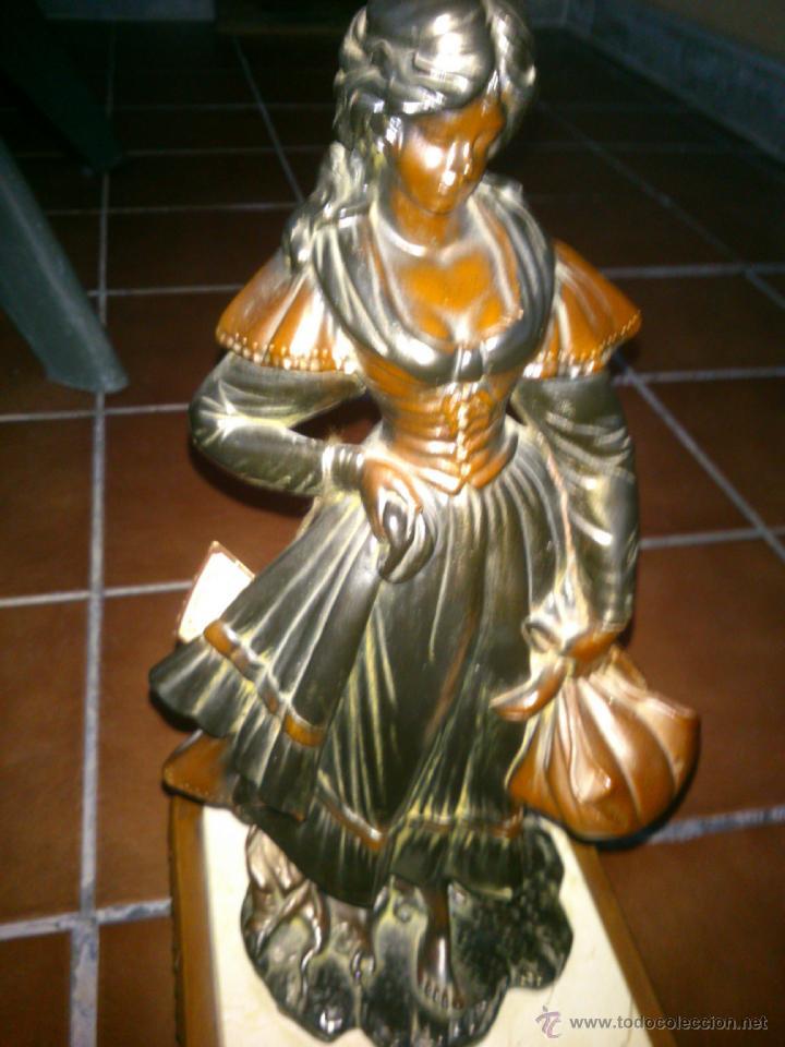 Arte: ESCULTURA CLASICA MOLDEADA A MANO.ARTESANIAS AURREGUI.23X23CM,ALTO;59CM. - Foto 2 - 40170287