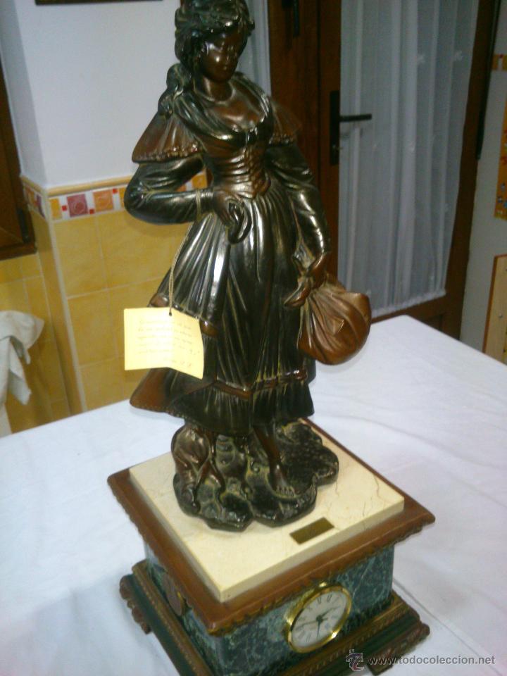 Arte: ESCULTURA CLASICA MOLDEADA A MANO.ARTESANIAS AURREGUI.23X23CM,ALTO;59CM. - Foto 14 - 40170287