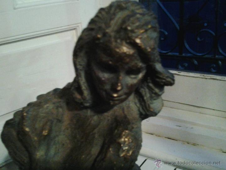 Arte: Escultura de cobre firmada por Rinor Escultura de cobre sobre base de mármol, firmada por Rinor. Re - Foto 2 - 46315484