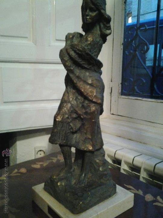 Arte: Escultura de cobre firmada por Rinor Escultura de cobre sobre base de mármol, firmada por Rinor. Re - Foto 4 - 46315484