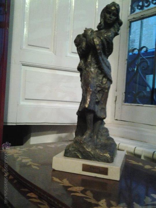 Arte: Escultura de cobre firmada por Rinor Escultura de cobre sobre base de mármol, firmada por Rinor. Re - Foto 6 - 46315484