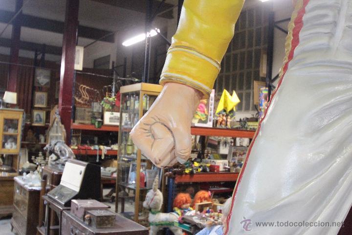 Arte: ESPECTACULAR!!!! FIGURA DE FREDDIE MERCURY, 3,30M DE ALTURA, HECHA A MANO. ÚNICA!! - Foto 6 - 49420681