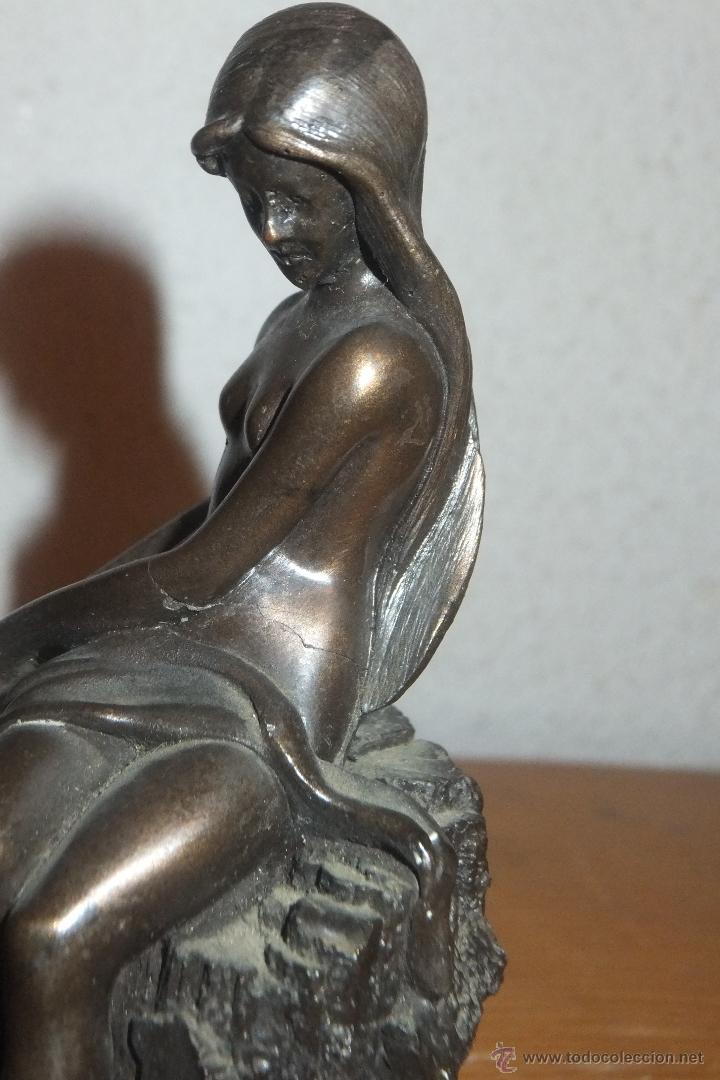 Arte: Escultura patinada en calamina figura femenina sobre roca fimada G.SCHOEMAN - Foto 2 - 50096845