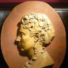 Arte: MEDALLON-RETRATO DE DAMA DEL ESCULTOR DE REUS JOAN ROIG I SOLER (1835-1918). Lote 66025423