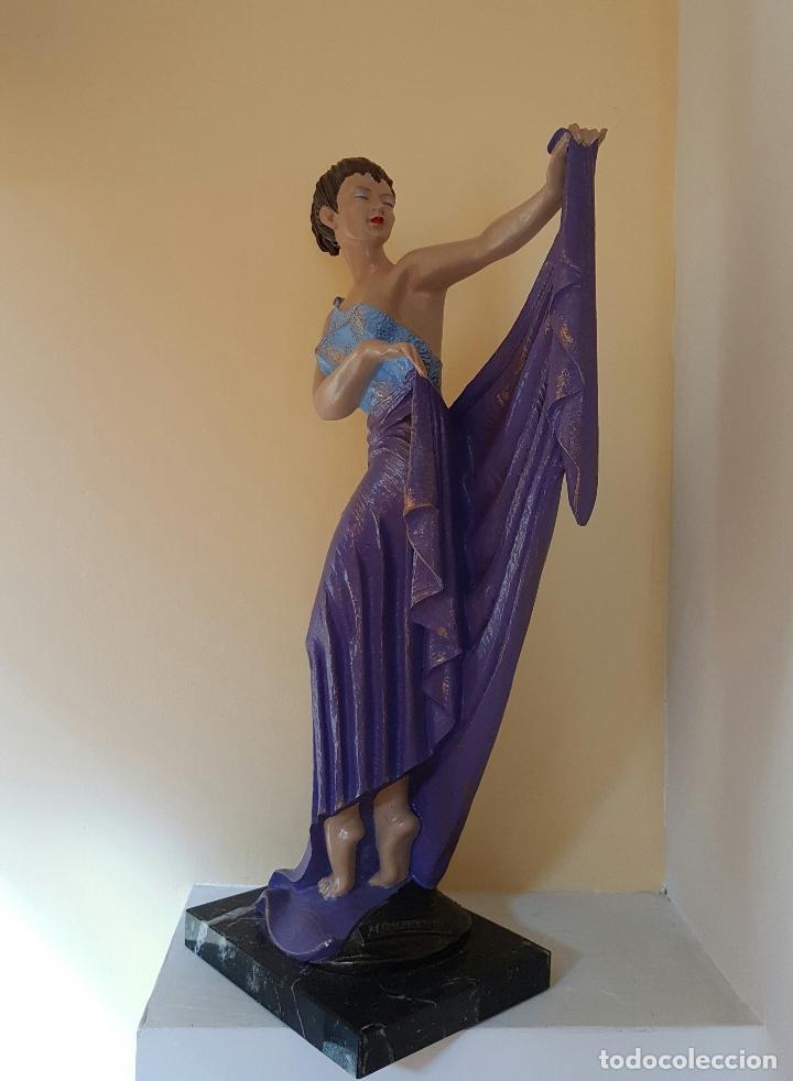 Arte: Gran escultura de doncella estilo art nouveau bellamente policromada a mano, firmada, M.Senserrich . - Foto 2 - 64781307