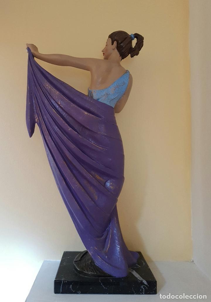 Arte: Gran escultura de doncella estilo art nouveau bellamente policromada a mano, firmada, M.Senserrich . - Foto 3 - 64781307