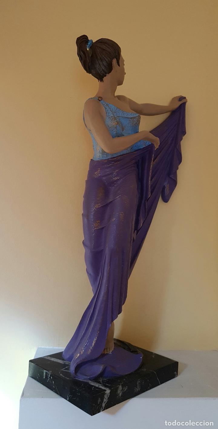 Arte: Gran escultura de doncella estilo art nouveau bellamente policromada a mano, firmada, M.Senserrich . - Foto 5 - 64781307