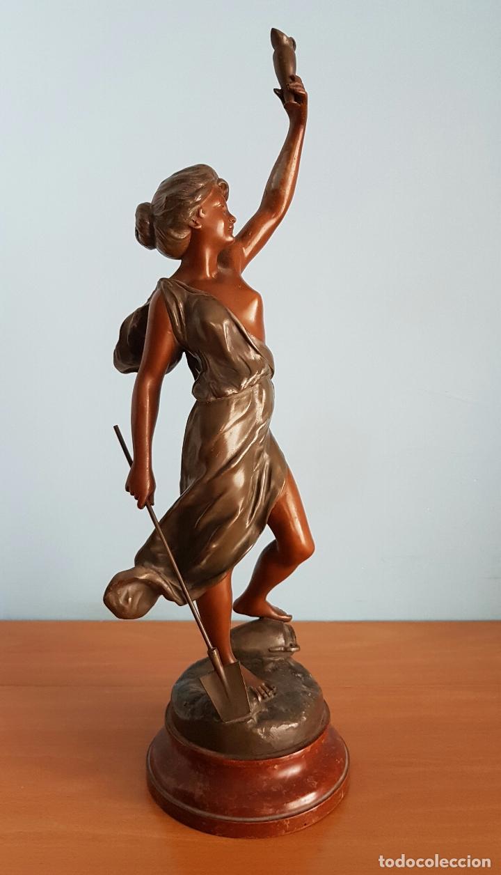 Arte: Gran escultura en calamina con patina de bronce, del escultor Joseph Berthoz, XIX . - Foto 2 - 73525203