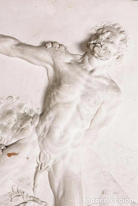 """Arte: Escuela española del siglo XIX. """"Hombre atacado por un león"""". Relieve en escayola. - Foto 3 - 69454497"""