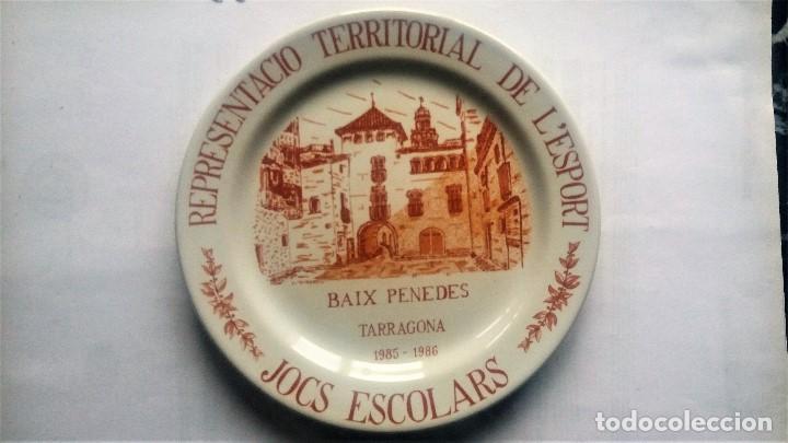 PLATO DECORATIVO JUEGOS ESCOLARES TARRAGONA (Arte - Escultura - Otros Materiales)