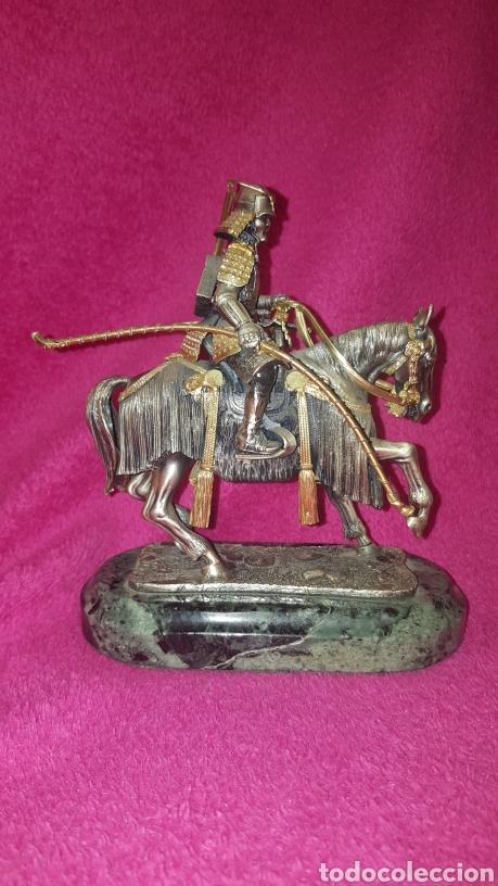FIGURA DE SAMURAI A CABALLO (Arte - Escultura - Otros Materiales)