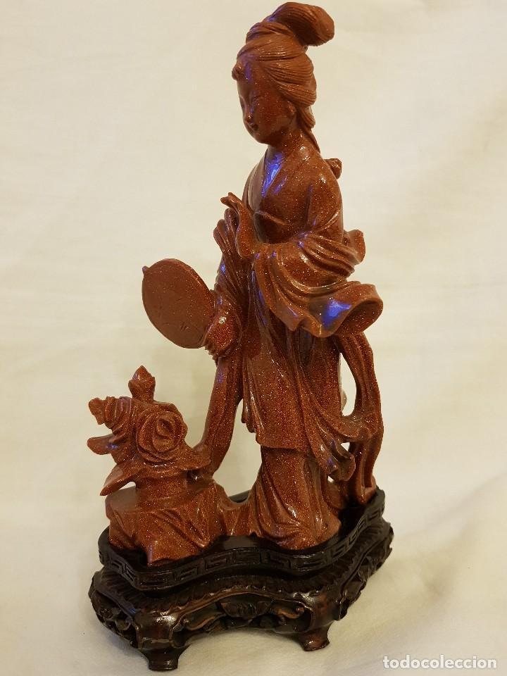 Arte: Dama oriental de aventurina. Tallada a mano y de una sola pieza. Siglo XX - Foto 2 - 112381311