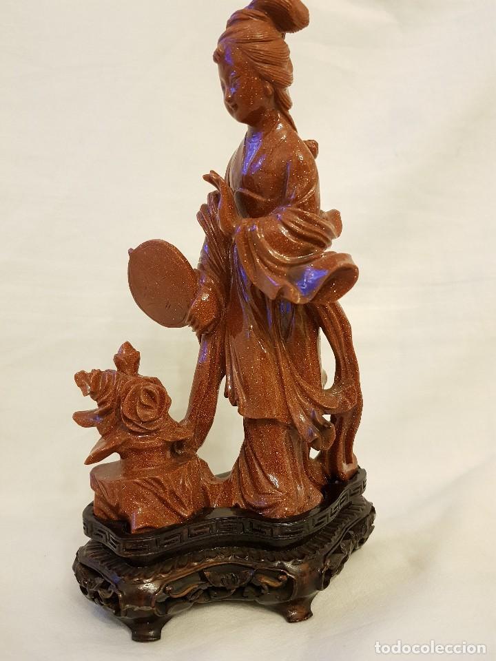 Arte: Dama oriental de aventurina. Tallada a mano y de una sola pieza. Siglo XX - Foto 3 - 112381311