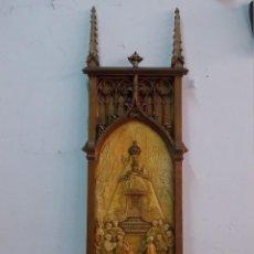 Arte: RARISIMA TABLA NEOGOTICA DE LA VIRGEN DE MONSERRAT REGINA CATALONIAE PASTA DE MADERA TIPO OLOT . Lote 121341055