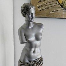 Arte: VENUS DE MILO - ESCAYOLA - ALTURA 65 CMS - DECORADA. Lote 123587959
