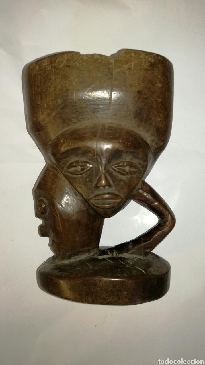 MORTERO DE MADERA MUY BONITO Y ANTIGUO TALLADO (Arte - Escultura - Otros Materiales)